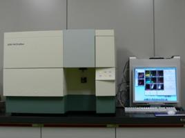フローサイトメーターリンパ球の種類を見分けるなど、免疫細胞の挙動を解析する際に威力を発揮します。