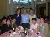 同会議での夕食時、ランカスター大学のP. Lea教授を囲んでのひとコマです。