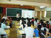 ベトナム・Tay Nguyen Universityでのセミナーの様子(2010年9月)