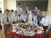ベトナムTay Nguyen Universityでのワークショップ。ベトナム、韓国、台湾の研究者達と。(2012年6月)